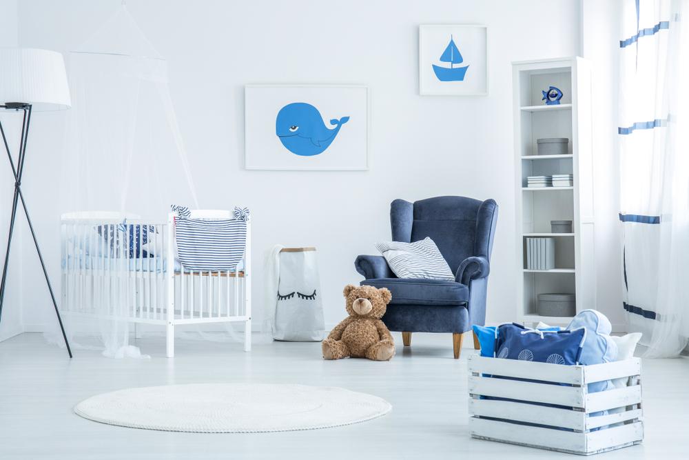 Babykamer met blauwe elementen